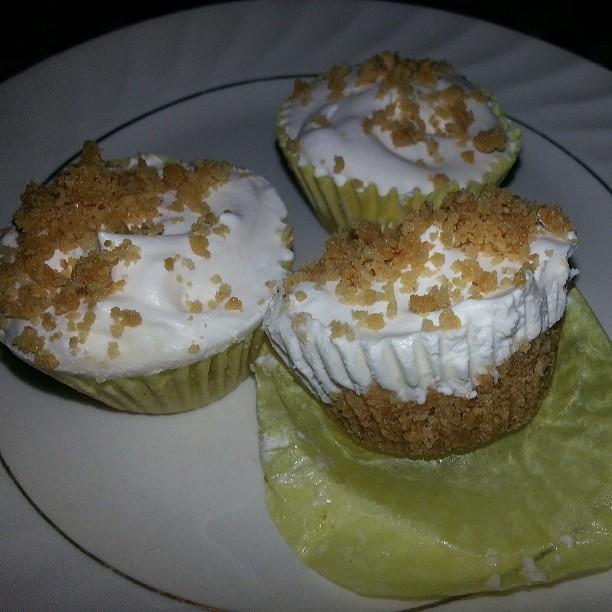 Vegan Lemon Cream Cheese Tarts!